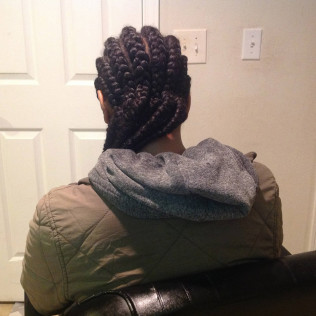 Yadi's African Hair Braiding specializes in hair braiding, weaves, and dreadlocks for Seattle, WA